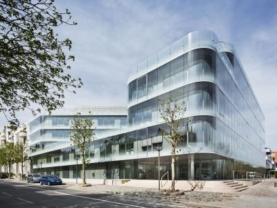 Fatadele cladirilor de birouri din Bucuresti au inghitit peste 1 milion de metri patrati de sticla