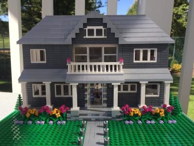 Puteti cumpara o replica a casei dvs. construita din LEGO